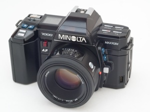 Minolta 7000 AF (MAXXUM 7000) 35mm SLR camera